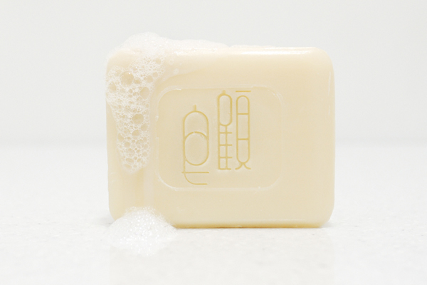 照顧自己,從「皂顧」開始,以台灣契作仙草為原料的溫柔香皂